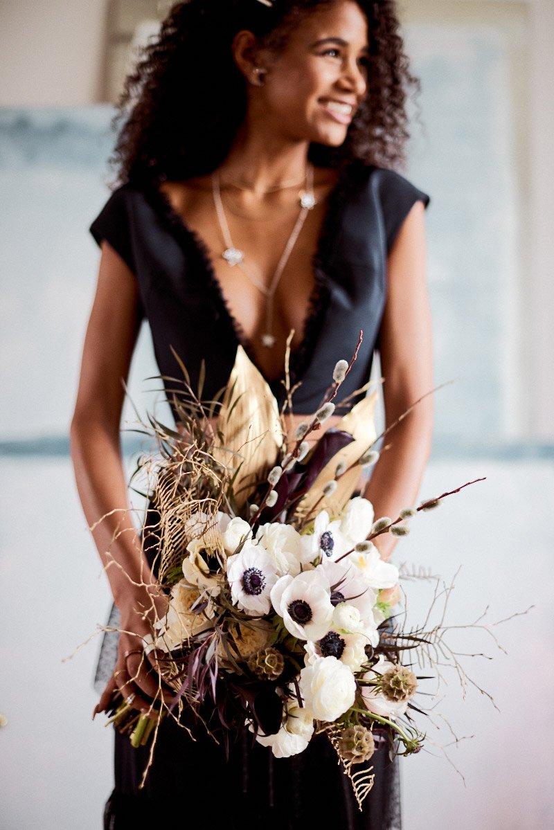 contemporary wedding bouquet | modern wedding bouquet